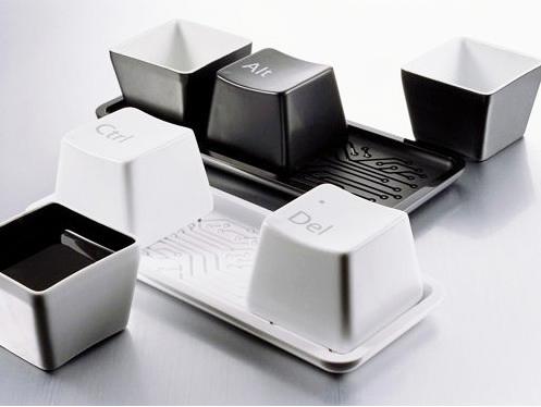 Geeky keyboard cups